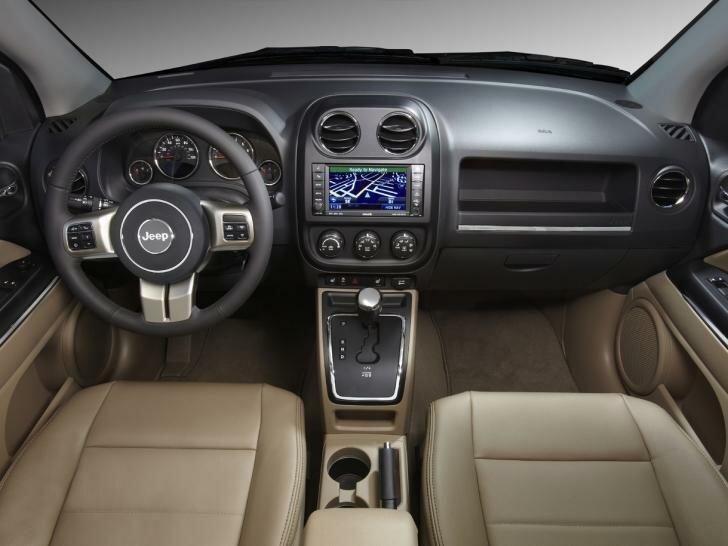 Jeep Compass рестайлинг 2011 салон