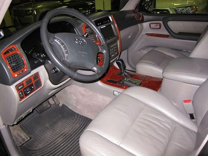 Тойота Ленд Крузер 100 салон
