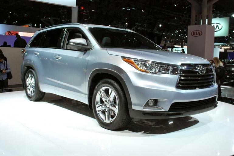 Toyota Highlander 2013 вид спереди