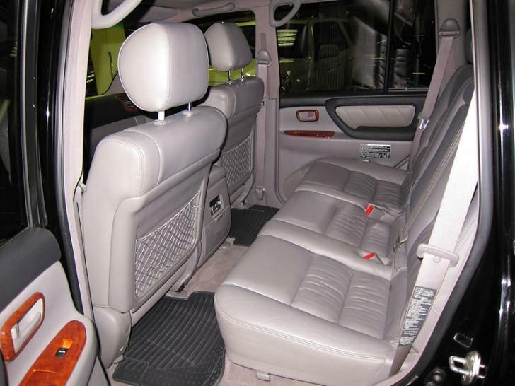 Тойота Ленд Крузер 100 задние сиденья